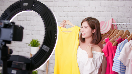 Live Shopping: How, Why and Should I?
