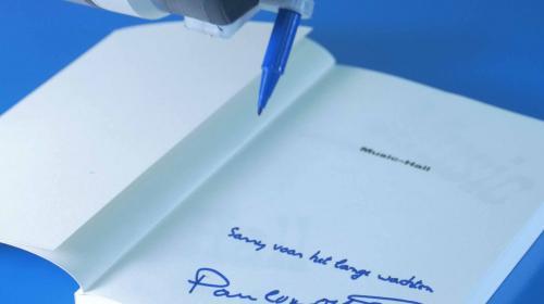 LEWIS récompensé par le SABRE award pour « The Impossible Signing Session »