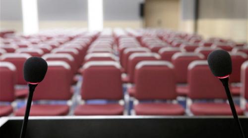 Moeten we nog persconferenties organiseren?