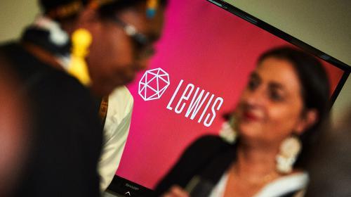 LEWIS ondersteunt ABB in de technologische revolutie
