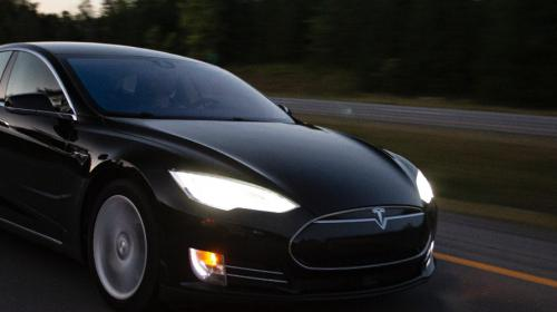 Krisen-PR: Tesla Motor brennt