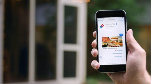 Cómo pedir una pizza a través de un chatbot: caso Domino's Pizza
