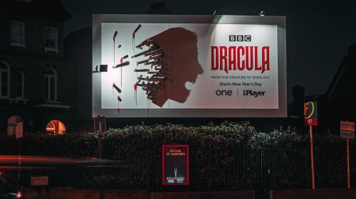 Campaña de Drácula protagonista de la oscuridad de la noche