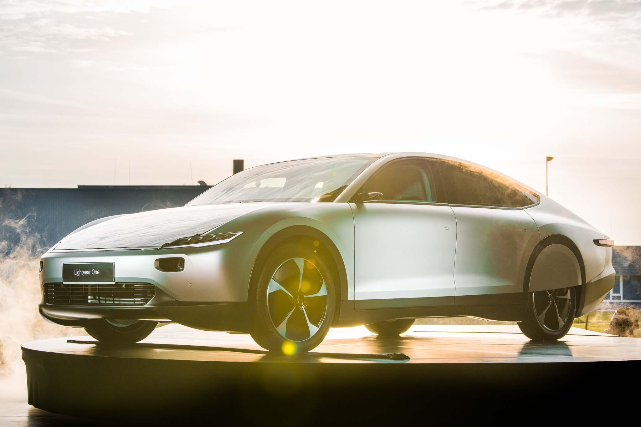 Lancio dell'auto solare Lightyear One