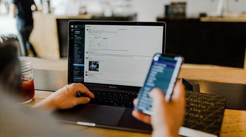 Monitorare le conversazioni online