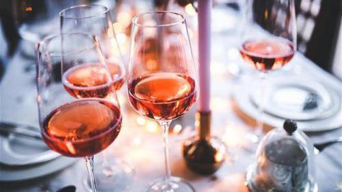 Er moet meer wijn worden gedronken